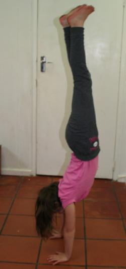 R hand stand.jpg
